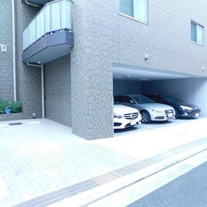 プレシス文京小石川静穏の杜の駐車場