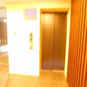 インペリアルガーデンのエレベーターホール、エレベーター内