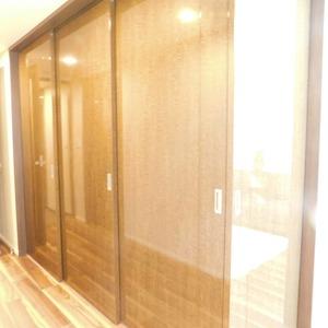 インペリアルガーデン(3階,)の洋室