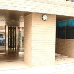クオリア文京根津のマンションの入口・エントランス
