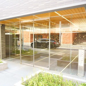 グリーンパーク日本橋堀留町のマンションの入口・エントランス