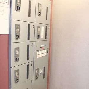 グランドメゾン根津参道のエレベーターホール、エレベーター内