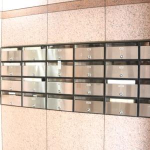 エクレーヌ本駒込のマンションの入口・エントランス