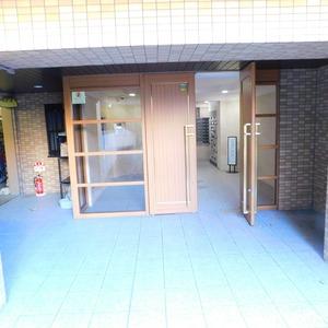 ラフォルム神楽坂のマンションの入口・エントランス