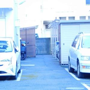 落合マンションの駐車場