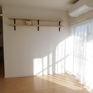 落合マンション(5階,4390万円)の居間(リビング・ダイニング・キッチン)