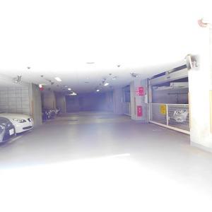 ディアナコート恵比寿の駐車場