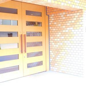 エクレール目黒のマンションの入口・エントランス