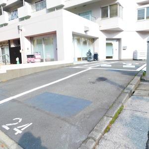 藤和護国寺コープの駐車場