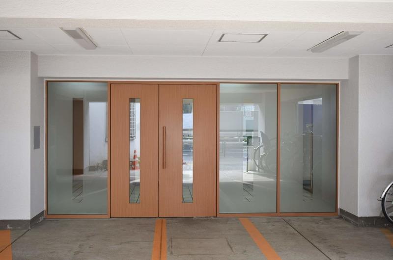 中銀南青山マンシオンのマンションの入口・エントランス1枚目