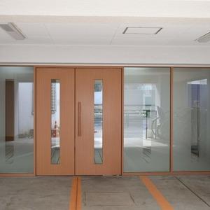 中銀南青山マンシオンのマンションの入口・エントランス