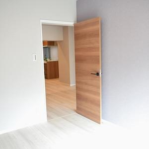 中銀南青山マンシオン(2階,)の洋室