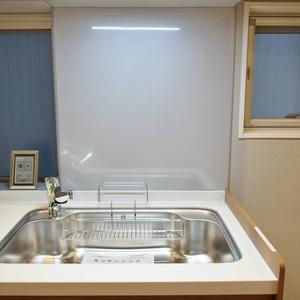中銀南青山マンシオン(2階,4790万円)の居間(リビング・ダイニング・キッチン)
