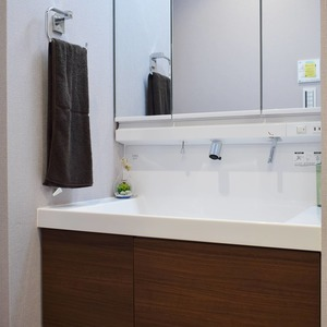 中銀南青山マンシオン(2階,4790万円)の化粧室・脱衣所・洗面室