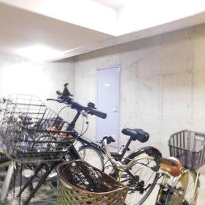ヴィルヌーブ西早稲田の駐輪場
