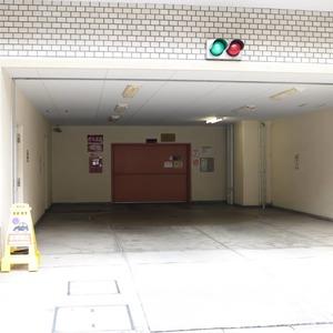 上野ロイヤルハイツの駐車場