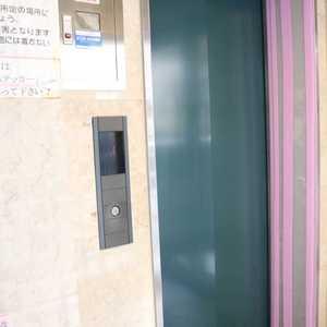 マイキャッスル入谷のエレベーターホール、エレベーター内