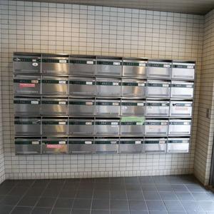 メイゾン上北沢のマンションの入口・エントランス