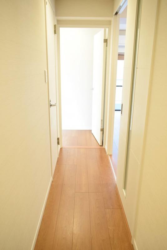 ヴェルデ青山のお部屋の廊下1枚目