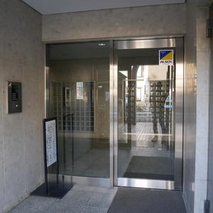 コスモ亀戸アネックスのマンションの入口・エントランス