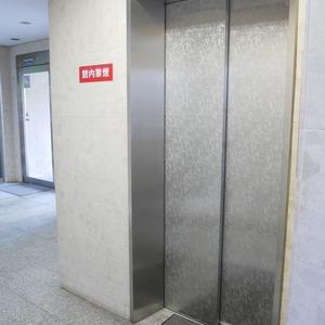 コスモ亀戸アネックスのエレベーターホール、エレベーター内