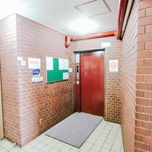 ヴェラハイツ日本橋のエレベーターホール、エレベーター内