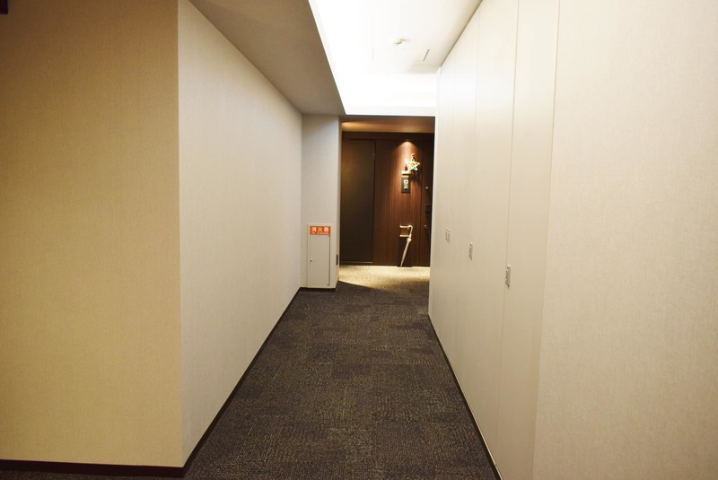 クラッシィスイートジオ東麻布6180万円のフロア廊下(エレベーター降りてからお部屋まで)1枚目