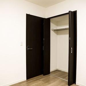 コンフォール四谷(2階,5280万円)の洋室(2)