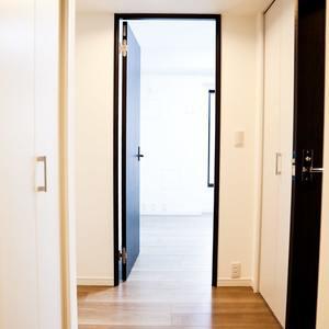 コンフォール四谷(2階,5280万円)のお部屋の廊下