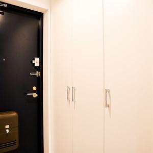 コンフォール四谷(2階,5280万円)のお部屋の玄関