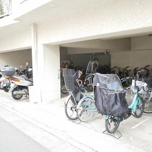 ライオンズマンション桜上水の駐輪場