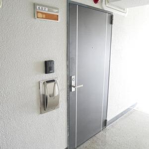 ライオンズマンション桜上水(6階,3299万円)のフロア廊下(エレベーター降りてからお部屋まで)