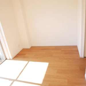 経堂セントラルマンション(2階,3980万円)の洋室