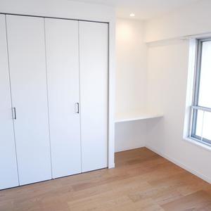 経堂セントラルマンション(2階,3980万円)の洋室(2)