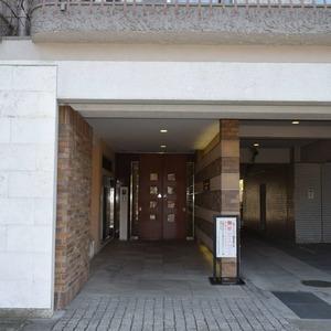 マンション京都白金台のマンションの入口・エントランス