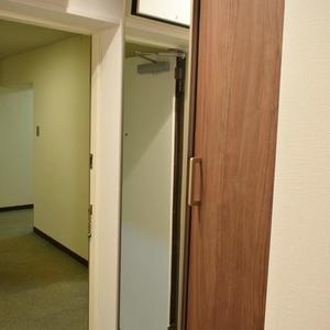 マンション京都白金台(7階,)のお部屋の玄関