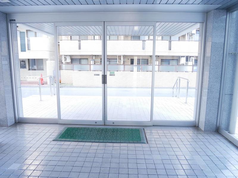 経堂セントラルマンションのマンションの入口・エントランス1枚目