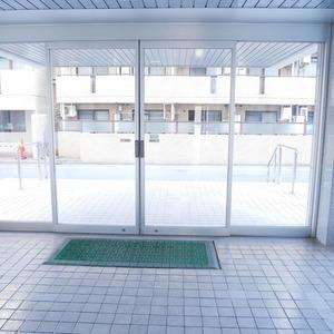 経堂セントラルマンションのマンションの入口・エントランス