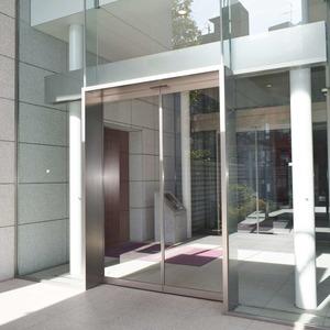 青山ザタワーのマンションの入口・エントランス