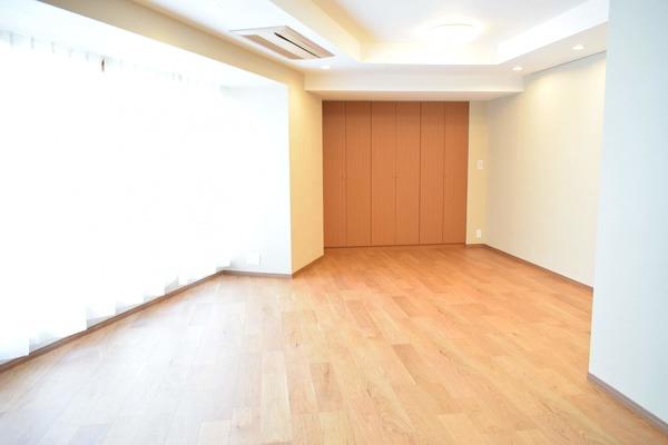青山ザタワー(8階,8490万円)