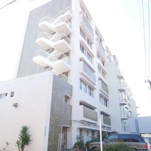 経堂セントラルマンションの外観