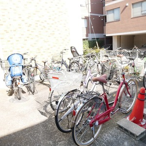 経堂セントラルマンションの駐輪場