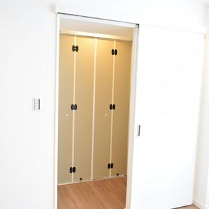 エクレール乃木坂(4階,)のウォークインクローゼット