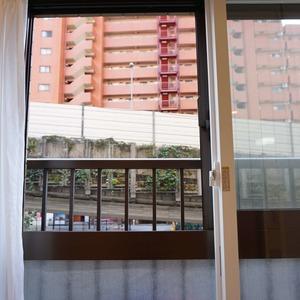ライオンズマンション初台第3(2階,3099万円)のリビング・ダイニング