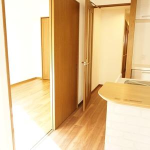 セザール元代々木(3階,6299万円)の洋室(2)