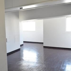 第7宮庭マンション(8階,)のフロア廊下(エレベーター降りてからお部屋まで)