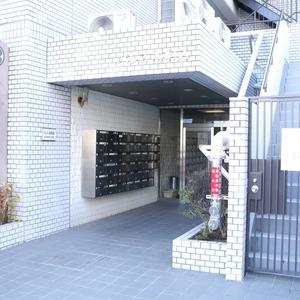 パレス本駒込のマンションの入口・エントランス