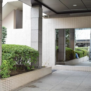イトーピア麻布のマンションの入口・エントランス
