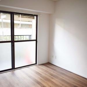 ライオンズマンション白金第3(1階,3280万円)の洋室
