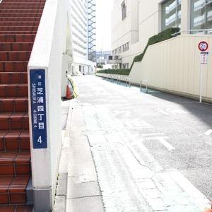 三田ナショナルコートの駐車場